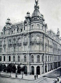 cupulas buenos aires - FOTO de avenida de Mayo y 9 de Julio. *El Splendid Hotel* estaba en la esquina sudeste de Avenida de Mayo y Lima,