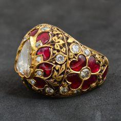 Kundan Polki Jewellery on Behance Golden Jewelry, Ruby Jewelry, Turquoise Jewelry, Jewelry Sets, Jewelery, Book Jewelry, Jewellery Earrings, Jewelry Holder, Silver Jewelry