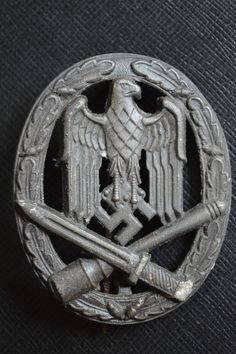 General assault badge Airborne Army, Badge Maker, German Uniforms, Lest We Forget, Looking Forward To Seeing, World War Ii, Ww2, Rings For Men, Germany