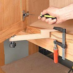 Ayuda de montaje de la puerta | Consejos de Woodsmith #WoodworkingTips
