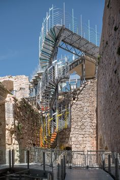 The Refurbishment of Castimuñoz Medieval Castle has three main purposes:   To reinforce the existing structures, coming from different periods of History, avoiding their decay.   To transform the existing ruins in suitable and safe spaces for public ...