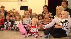 Suomenkieliset vanhemmat joutuvat ponnistelemaan entistä enemmän säilyttääkseen lastensa suomen kielen taidot Ruotsissa. Uumajassa läheskään kaikki suomenkieliset lapset eivät mahdu suomenkieliseen päiväkotiin ja koulussa suomea opetetaan vain yksi tunti viikossa. Kielitaidon opettelu ja ylläpito on pääosin lasten vanhempien aktiivisuuden varassa.