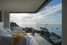 This home on Victoria's Mornington Peninsula offers sweeping views of Port Phillip Bay. Take the full tour here. Photograph by Earl Ca...