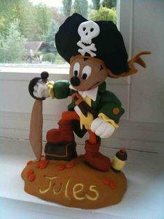 mickey pirate cake