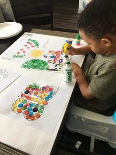 Our Favorite Free Dot Marker Printables and Dot Art Ideas Popsicle Stick Crafts, Craft Stick Crafts, Printable Art, Printables, Art Smock, Do A Dot, Learning Shapes, Jumping For Joy, Frame Crafts