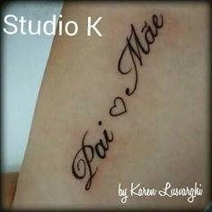 Resultado de imagem para tattoo mãe e pai Tattoo Pai E Mae, Love Tattoos, Tatoos, Double Exposure, Tattoo Quotes, Piercings, Tattoo Maori, Junho, Samara