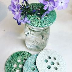it is fun and easy to make and they are a great… - salt dough recipes Flower frogs! it's fun and easy to do and they're a great flower frog! it is fun and easy to ma Pottery Painting, Pottery Vase, Ceramic Pottery, Vase Crafts, Clay Crafts, Ceramics Projects, Clay Projects, Slab Ceramics, Hand Built Pottery