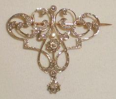 Ancienne Broche/Pendentif en Or 18K, Sertie de Diamants.