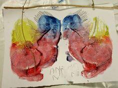 """Il mondo delle macchie all'Albero dei Libri con """"Macchiati!"""" e la lettura di """"Madre Natura decide di cambiare il mondo"""" di Alberto Moravia. Inventare animali, storie, fantasticare, un po' come osservare le nuvole quando si trasformano :) . Ecco alcuni esempi, oggi eravamo davvero in tanti e le macchie erano tutte meravigliose!"""