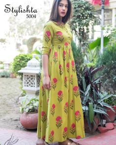 Frock Fashion, Fashion Dresses, Fasion, Dress Neck Designs, Blouse Designs, Long Dress Design, Party Wear Maxi Dresses, Indian Maternity Wear, Frocks And Gowns