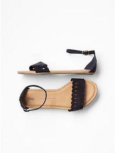 Gap Kids Scalloped sandals