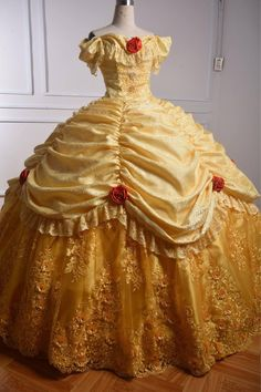 Princess Belle Costume, Disney Princess Costumes, Disney Princess Dresses, Disney Cosplay Costumes, Vampire Costumes, Halloween Costumes, Beauty And The Beast Dress, Disney Beauty And The Beast, Blue Ball Gowns