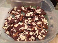 Healthier, Dark Chocolate Toffee Brittle #toffee #coffee #chocolate #naturaloilmom