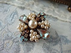 Saphiret Rhinestone Brooch with Crystals and Pearls