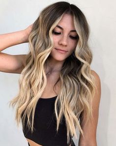 Head Turning Long Wavy Hairstyles for Women To Look Terrific This Year Classy Hairstyles, Straight Hairstyles, Wavy Hairstyles, Hair Color Shades, Cool Hair Color, Hair Color Highlights, Hair Color Balayage, Latest Hair Color, Brown Blonde Hair