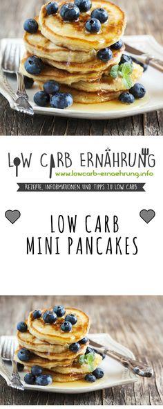 Low Carb Rezept für leckere Mini-Pancakes mit wenig Kohlenhydraten. Kleine Pfannkuchen - Low Carb, zuckerfrei und einfach und schnell zum Nachkochen. Perfekt zum Abnehmen.