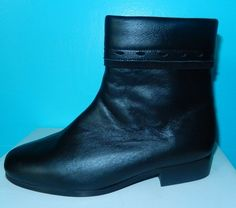 Je viens de mettre en vente cet article  : Bottines & low boots plates Ombelle 45,00 € http://www.videdressing.com/bottines-low-boots-plates/ombelle/p-4419559.html?utm_source=pinterest&utm_medium=pinterest_share&utm_campaign=FR_Femme_Chaussures_Bottines+%26+low+boots_4419559_pinterest_share
