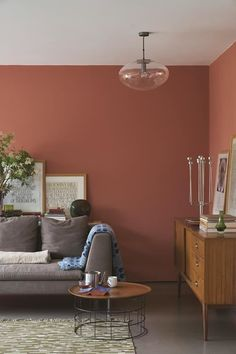 Create a warm and inviting living room with Farrow & Ball Red Earth 64 paint colour. Farrow And Ball Living Room, Living Room Red, Elegant Living Room, Neutral Living Room Colors, Paint Colors For Living Room, Neutral Paint, Gray Paint, Farrow Ball, Decor Room
