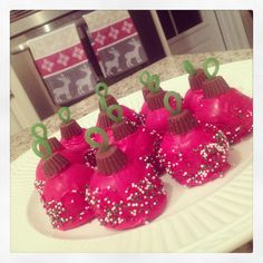 Ornament cake balls, picture only, no link