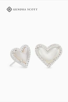 Calling all romantics! With its fun asymmetrical design, the Ari Heart Silver Stud Earrings in Ivory Mother-of-Pearl are a fresh take on an old jewelry box favorite. Our prediction? It's only a matter of time before you fall in love with these studs.