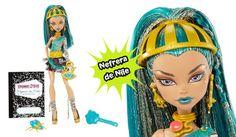 Muñeca Nefera de Nile con diario monstruoso