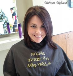 Finished Product! Managed cowlicks, brown hair, medium brown hair, medium bob, layered bob, brunette Cowlick Hairstyles, Work Hairstyles, Hairstyles With Bangs, Trendy Hairstyles, Hair Color Purple, Blue Hair, Beauty Tips For Hair, Hair Tips, Hair Ideas