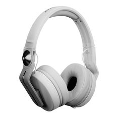 Pioneer HDJ-700-W DJ Headphones in White    For a flexible DJ lifestyle.  Whether you're DJing at home, in the club or auditioning your music on the go, the HDJ-700s adapt to all contexts.    Taking inspiration from our top-flight range, these headphones come in a sleek, lightweight aluminium design, outputting crisp and clear sound that's engineered to strongly reproduce low and mid-level frequencies.    HDJ-700 Key features:    Accurate monitoring    Optimised for dance music, the HDJ-700s…