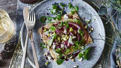 Pear tart with Stilton and pistachios recipe - BBC Food Pistachio Recipes, Pear Recipes, Veggie Recipes, Vegetarian Recipes, Veggie Meals, Vegetarian Nut Roast, Pear Tart, Tray Bakes, Pistachios