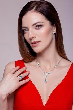 RED&EMERALD @etvpluss star Anna Sapronenko is wearing elite Emerald gemstone collection from #kuldanluxury @virukeskus