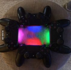 You can now see all four controller colors on the PS4
