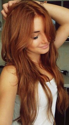 Maybe I'll die my hair this color when I get back to the US of A! :)