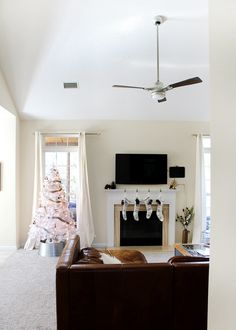 DIY Home Decor Inspiration : love the simple white decor and tree! A Modern Holiday Home Tour Diy Home Decor Bedroom, Budget Bedroom, Bedroom Ideas, Wood Framed Mirror, Christmas Home, Christmas Decor, Merry Christmas, Home Decor Inspiration, Decor Ideas