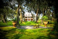 Houma House Plantation - Houma, Louisiana Want to visit. Louisiana Plantations, Houma Louisiana, Weekend In New Orleans, New Orleans Mardi Gras, Plantation Homes, Grand Homes, Big Houses, What Is Like, Tours