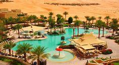 まるで映画『アラジン』の世界。砂漠に広がるリゾートホテル「カスル・アル・サラブ」   TABI LABO