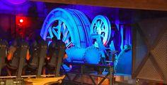 Steammachine before lift in Baron 1898 #baron1898 #efteling #steammachine #rollercoaster #themepark #thrillz