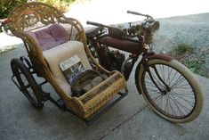 Vintage Motorcycles Classic 1909 Indian Motorcycle and Sidecar (Chair) Motos Vintage, Vintage Indian Motorcycles, Antique Motorcycles, Vintage Bikes, Triumph Motorcycles, Custom Motorcycles, Kawasaki Motorcycles, Motorcycle Companies, Motorcycle Types