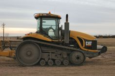The #Cat Challenger series of Ag tractors. One of the best looking tractors ever built!