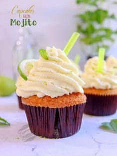 Cupcake façon mojito menthe et citron cupcakes mojito Mini Cupcakes, Macaron, Biscuits, Dessert Recipes, Baking, Food, Cup Cakes, Steel, Recipes