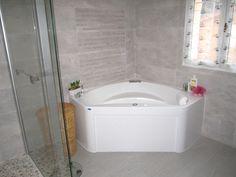 Photo d'une baignoire balnéo aprsè rénovation d'une salle de bain dans l' Hérault 34
