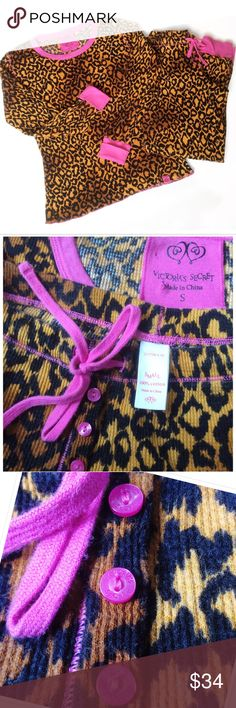 Just in! Brand new Cheetah & Pink Thermal set Brand new without tags. Perfect condition. Someone was reading my mind when they made these, they are 💯 my style. So freaking amazing. Thermal set, Capri pant. Brand buttons. Sz Small, true to size, will be form fitting. Lounge set. Bundle for a fantastic discount. Also open to offers. Victoria's Secret Intimates & Sleepwear Pajamas