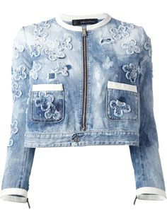 Blue cotton floral appliqued denim jacket from featuring distressed detailing, white leather trims, a round neck, a silver-tone front zip fastening, …women jackets on sale winter plus size - Women's Jackets – How to Find the Best Jacket for You Demin Jacket, Denim Jacket Fashion, Denim Outfit, Denim Coat, Jeans Patch, Designer Denim Jacket, Floral Jeans, Mode Jeans, Denim Ideas