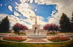 Denver Colorado Temple with spring flowers. #LDS #MormonTemple