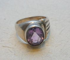 Vintage amethyst sterling silver stone ring
