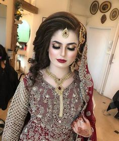 91 Best Wedding Hairstyles 47 Perfect Wedding Hairstyles for Every Bride Pakistani Bridal Hairstyles for Barat Function 2020 to Look, Pakistani Bridal Hairstyles for Barat Function 2020 to Look, Wedding Hairstyles 2019 2020 Long Short Medium Length Hair. Pakistani Bridal Hairstyles, Best Wedding Hairstyles, Red Wedding Dresses, Pakistani Wedding Dresses, Pakistani Bridal Makeup Red, Nikkah Dress, Bridal Makup, Bridal Makeup Looks, Bridal Beauty