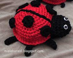 Crochet Gratis, Crochet Toys, Knit Crochet, Doll Toys, Pet Toys, Dolls, Crochet Unicorn, Christmas Crochet Patterns, Crochet Projects