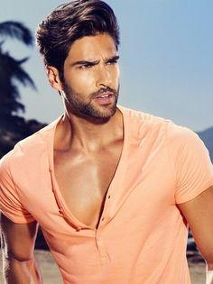 Wilhelmina Models - Miami, Mainboard, Breno Portfolio