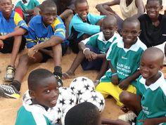 P010 Compra de equipamiento para unas escuelas de fútbol de Thìes