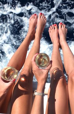 Don't break the bank on your besties bachelorette party. Here are 7 tips to throw a budget bachelorette party.