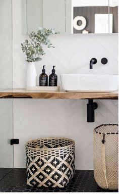 Bathroom Counter Decor, White Bathroom Decor, Bathroom Styling, Bathroom Interior Design, Bathroom Furniture, Black Bathrooms, Bling Bathroom, Mirror Bathroom, Neutral Bathroom