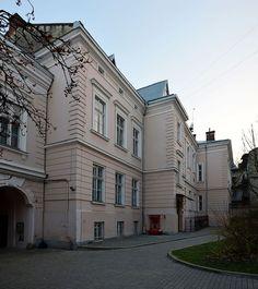 8 Kyryla i Mefodija Street, Lviv (02).jpg